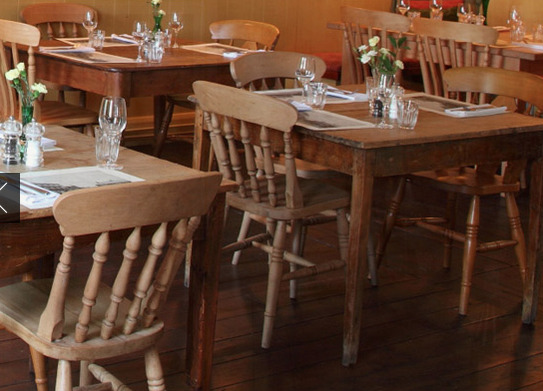 Restaurant area of The Loddon Swan