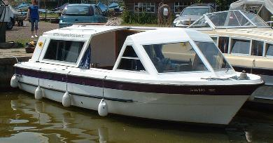 Whispering Reeds Day Boat Hire in Hickling