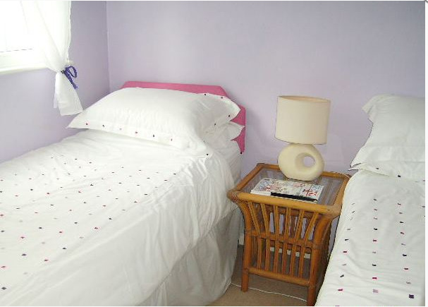 Sample twin bedroom of Winterton Chalets