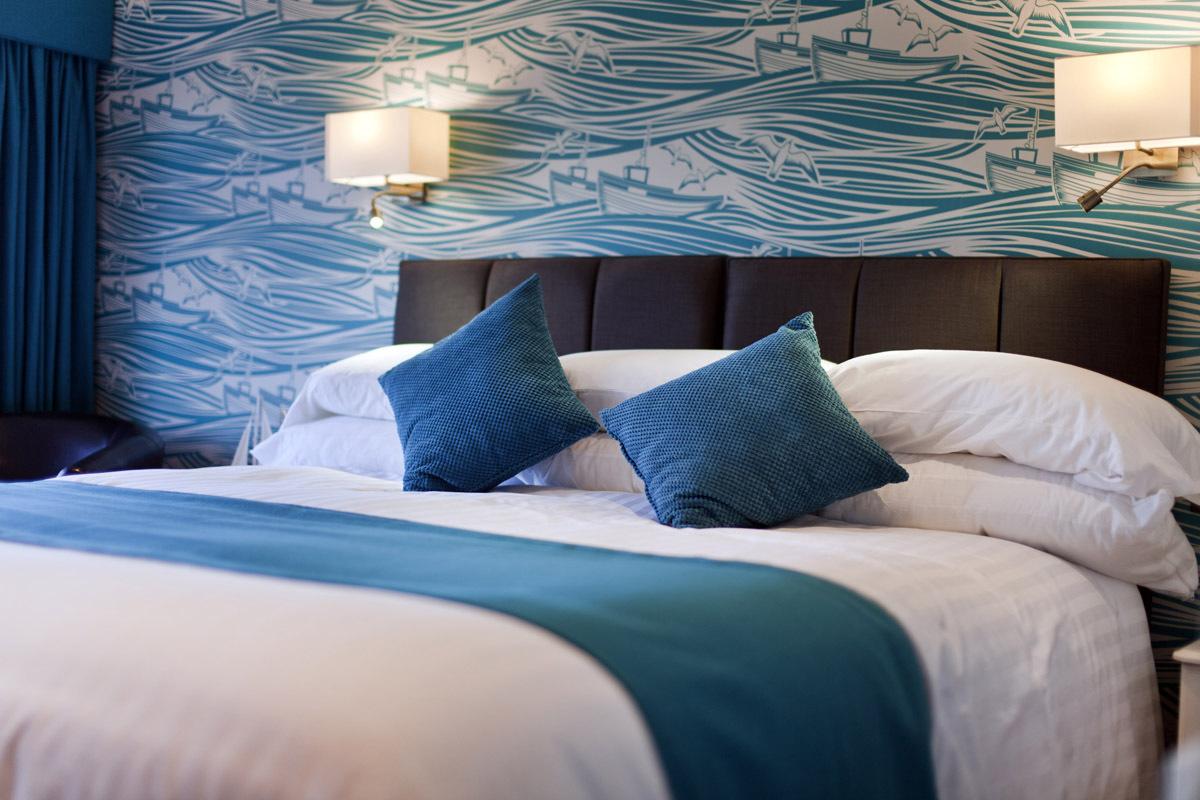 Waveney Hotel Superking size bed