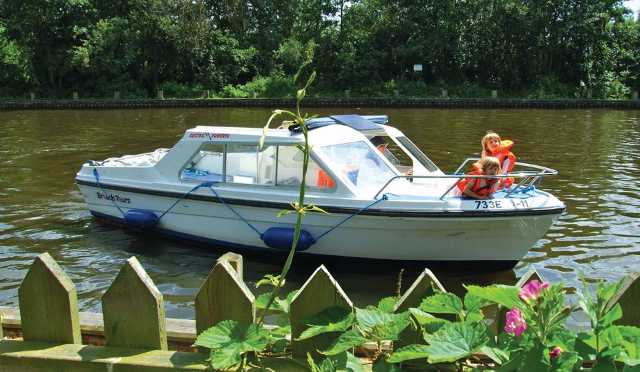 Broads Tours Day Boat