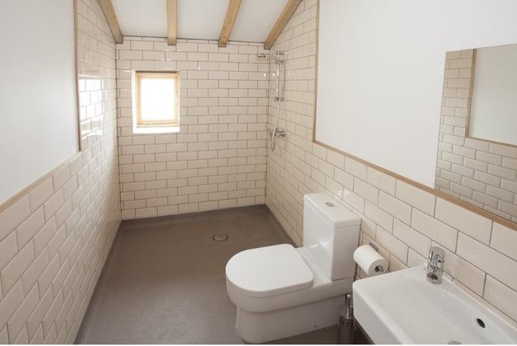 Eco Barn Wetroom