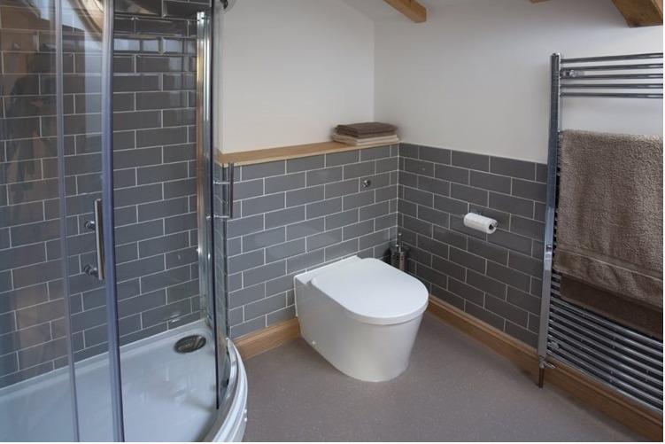 Eco Barn Bathroom