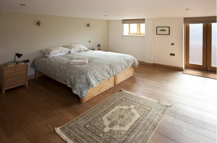 Eco Barn Farmhouse Bedroom
