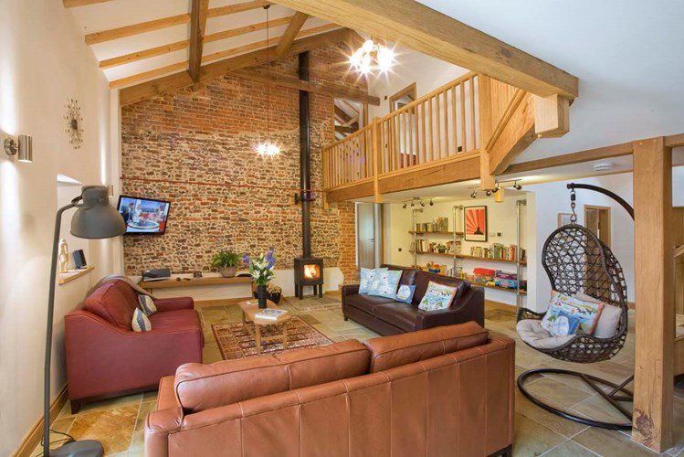 Eco Barn Lounge
