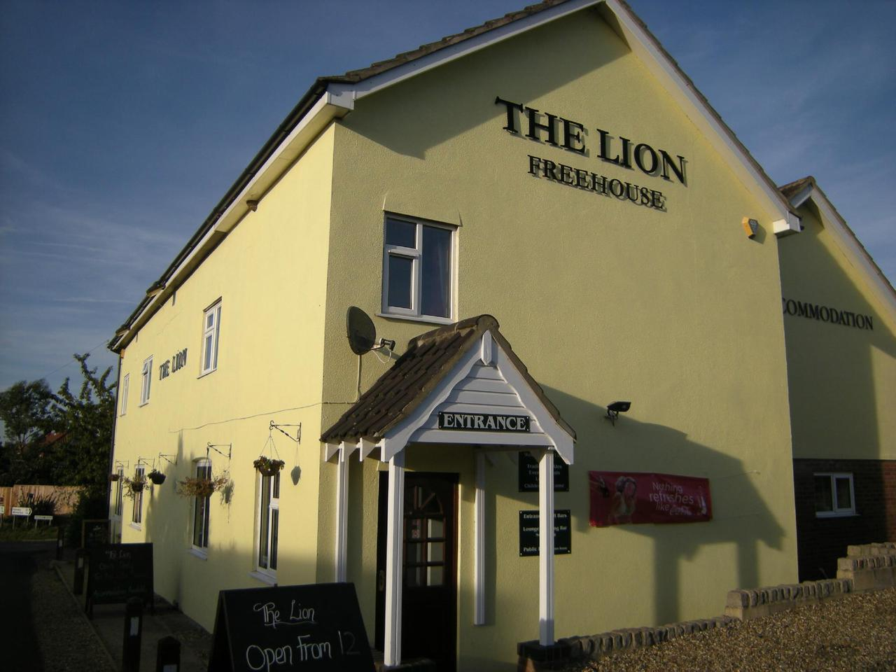 The Lion Inn West Somerton