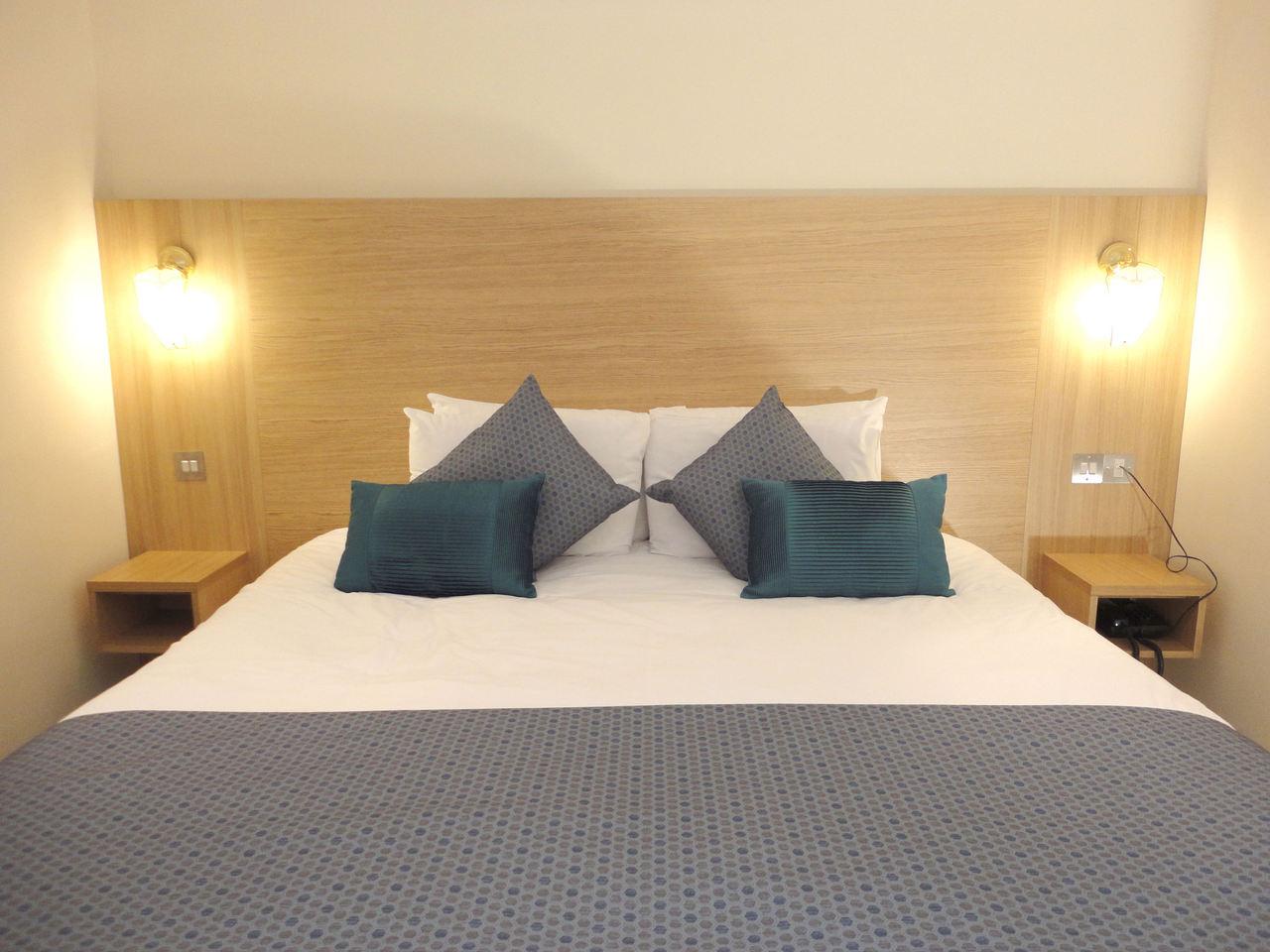 Super King size Bed - Hotel room