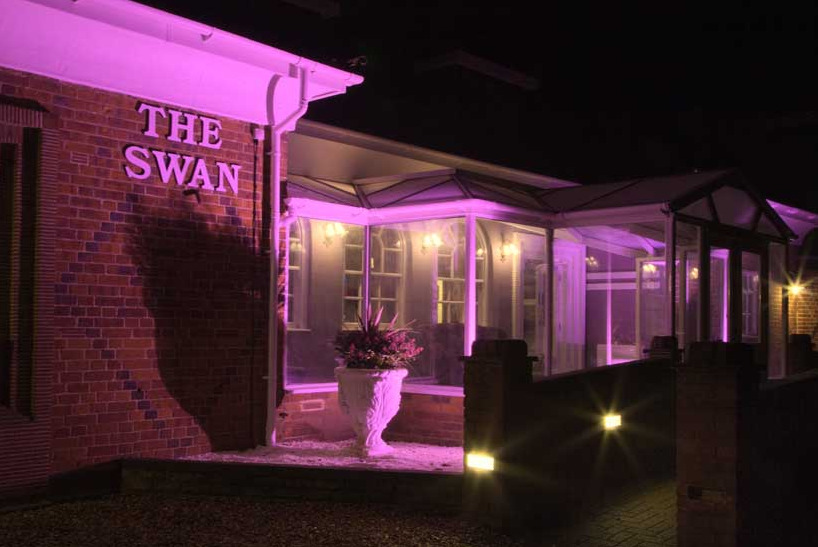 The Swan Motel Gillingham illuminated