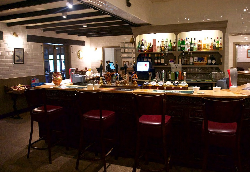 Bar area Wayford Bridge Inn