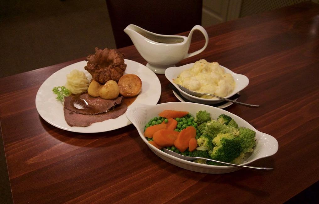 Sunday Lunch at the Wayford Bridge Inn