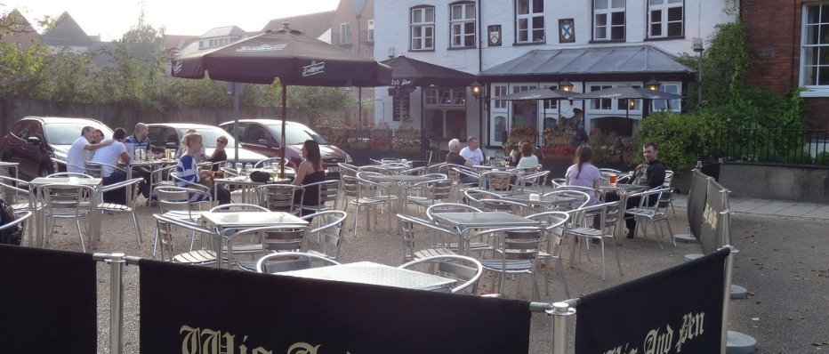 Alfresco Dining at the Wig and Pen in Norwich