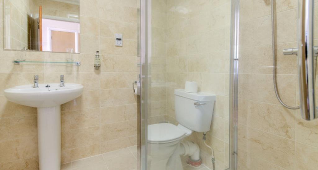 Wayford Bridge Bathroom