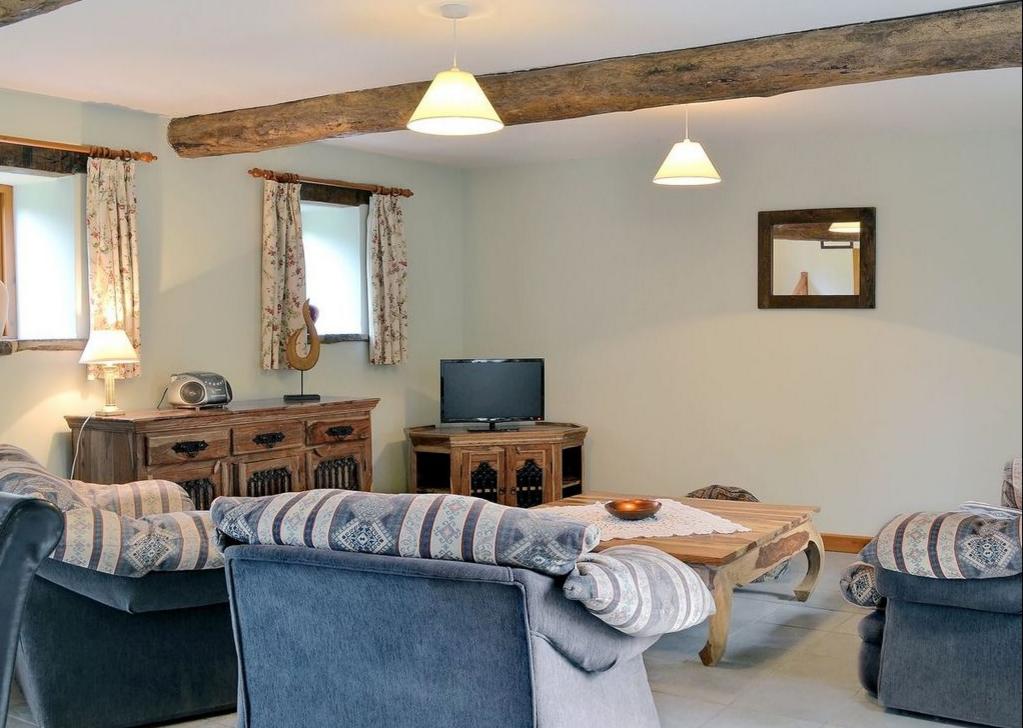 Grove Farm Barns Lounge