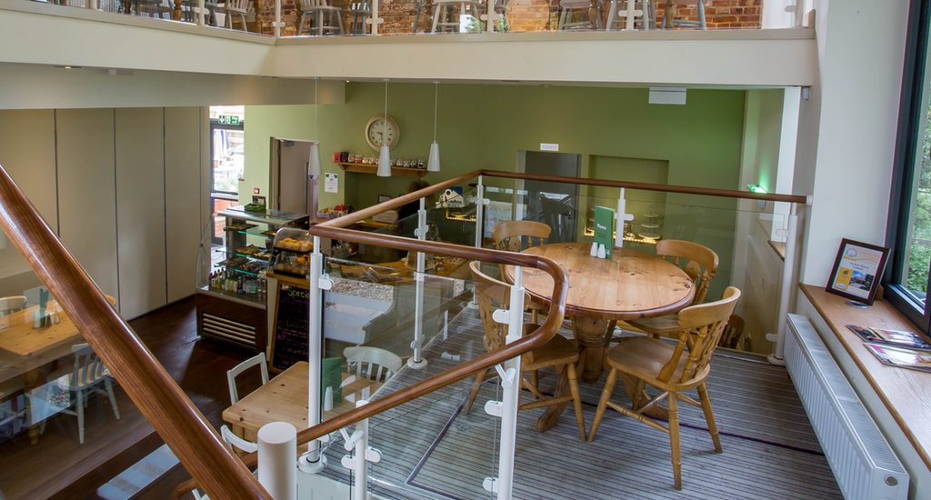 Middle Mezzanine Table