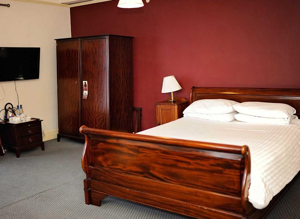Parkhill Hotel Bedroom
