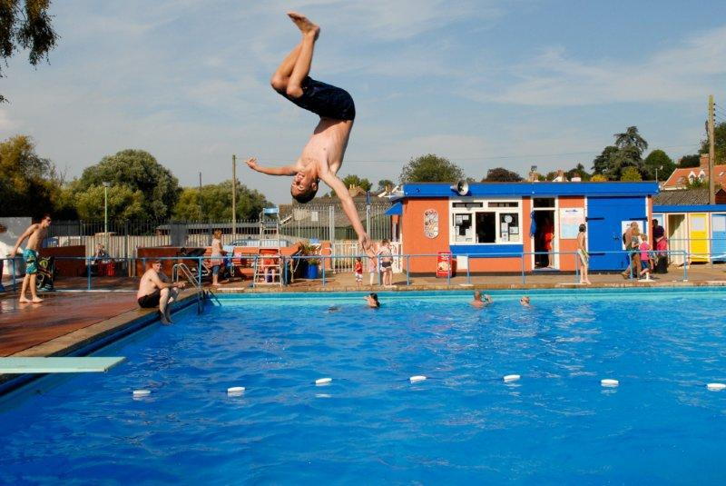 Beccles Lido Springboard Action