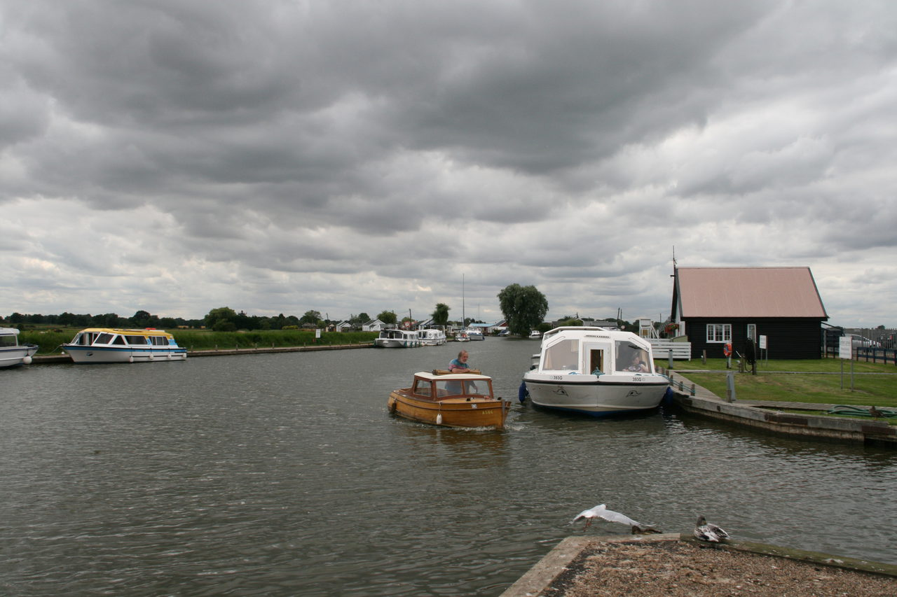 Potter Heigham Upriver