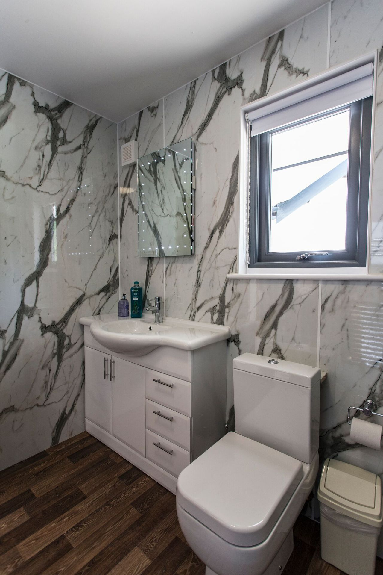 Tealby Bathroom 1 Preview