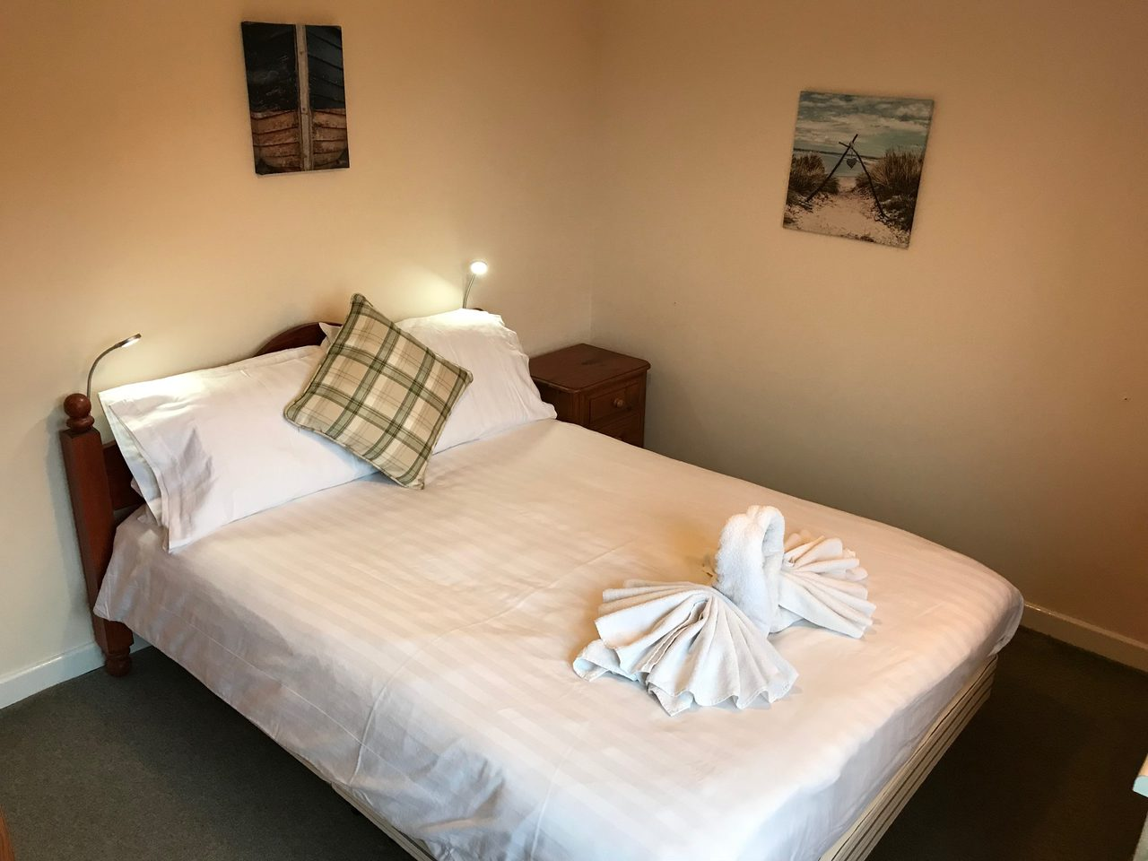 Horning Lodge Bedroom