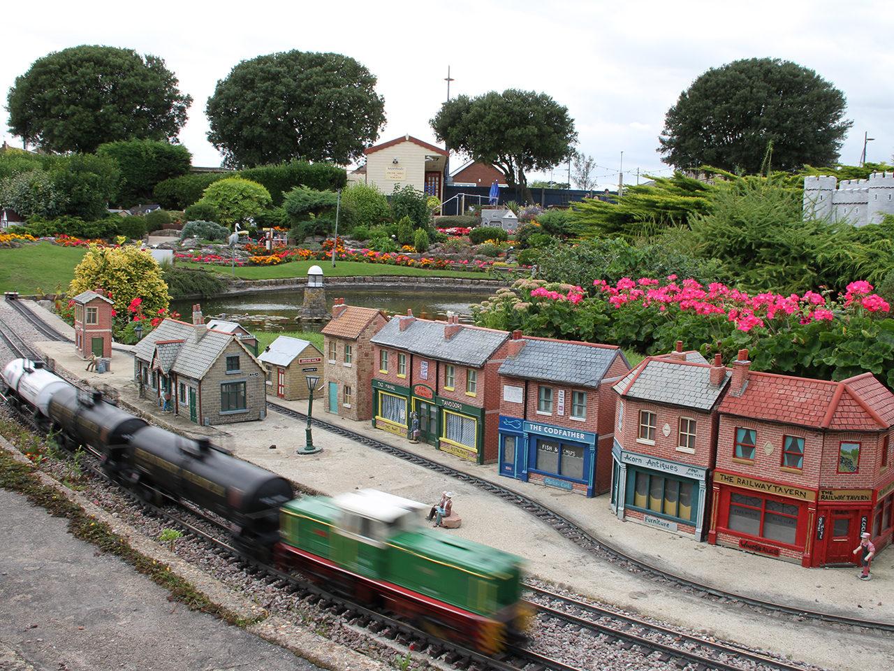 Model Railway E