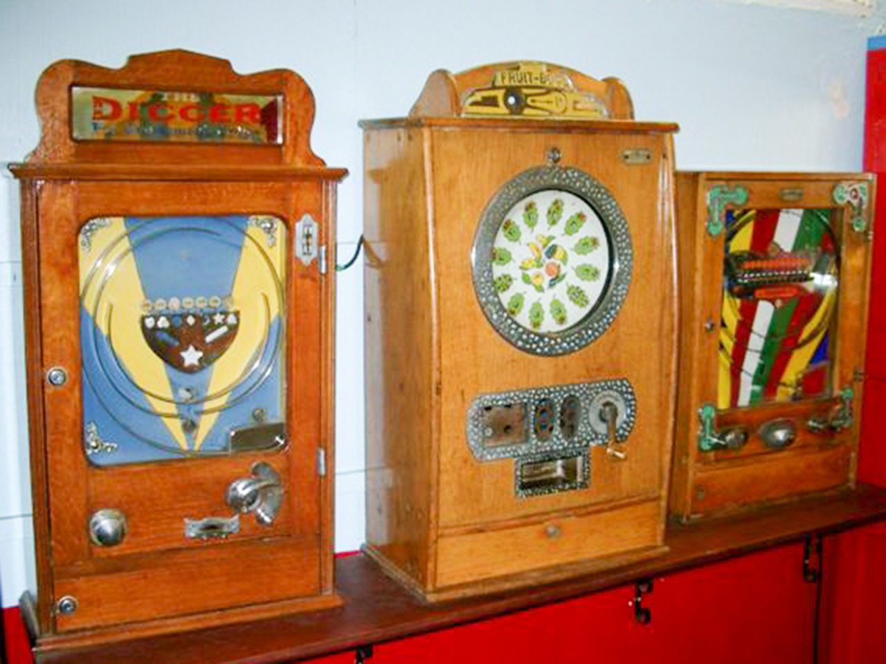 Old Penny Machines 008