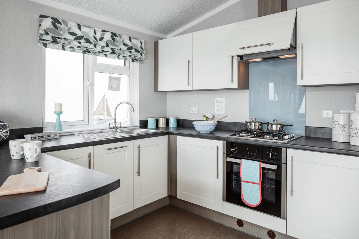 Platinum Lodge Kitchen 1