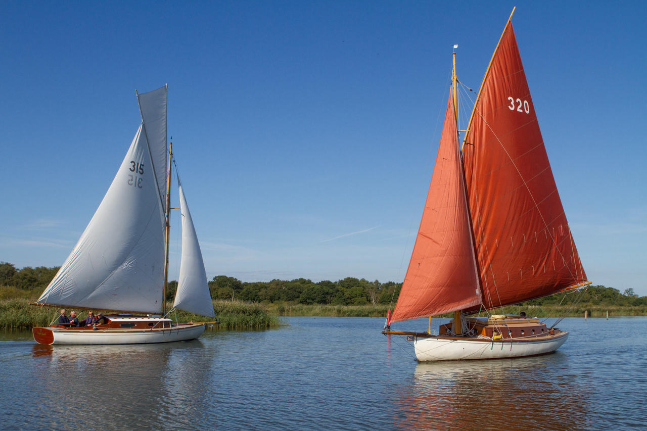 Olivers Norfolk Broads Sailing Holidays