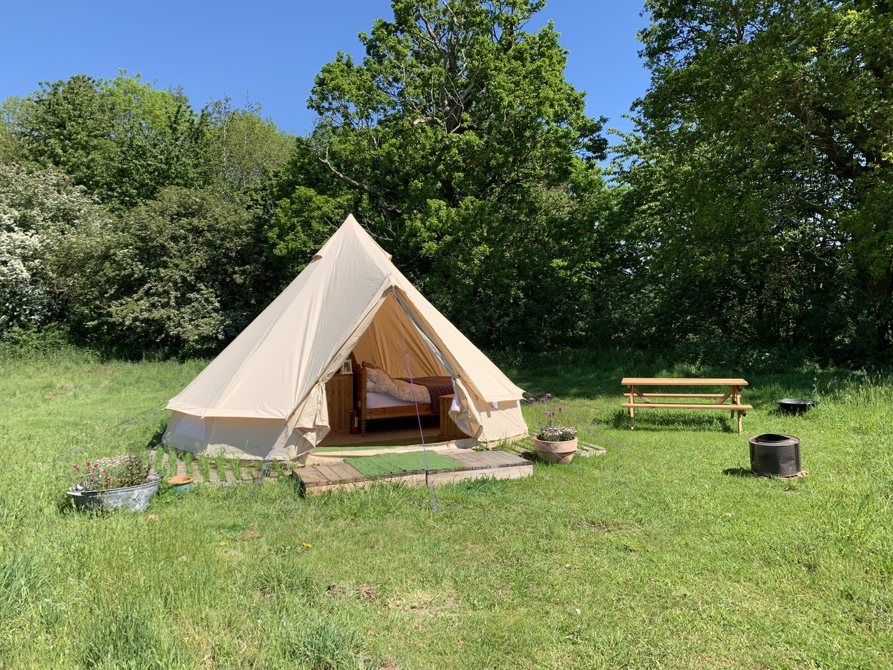 Glamping At Wardley Hill Campsite