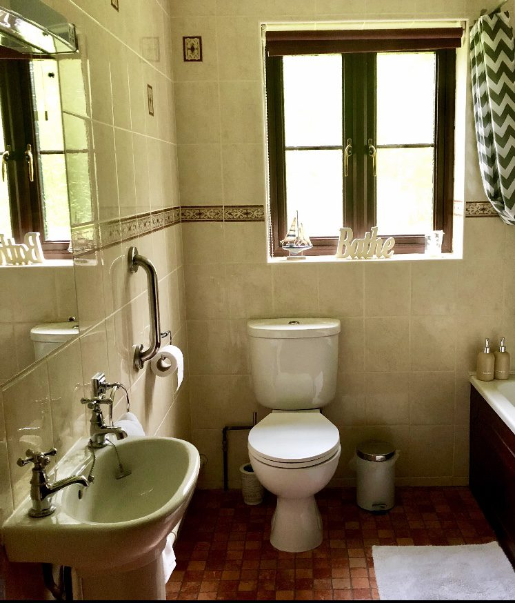 Cherry Tree Cottage Bathroom