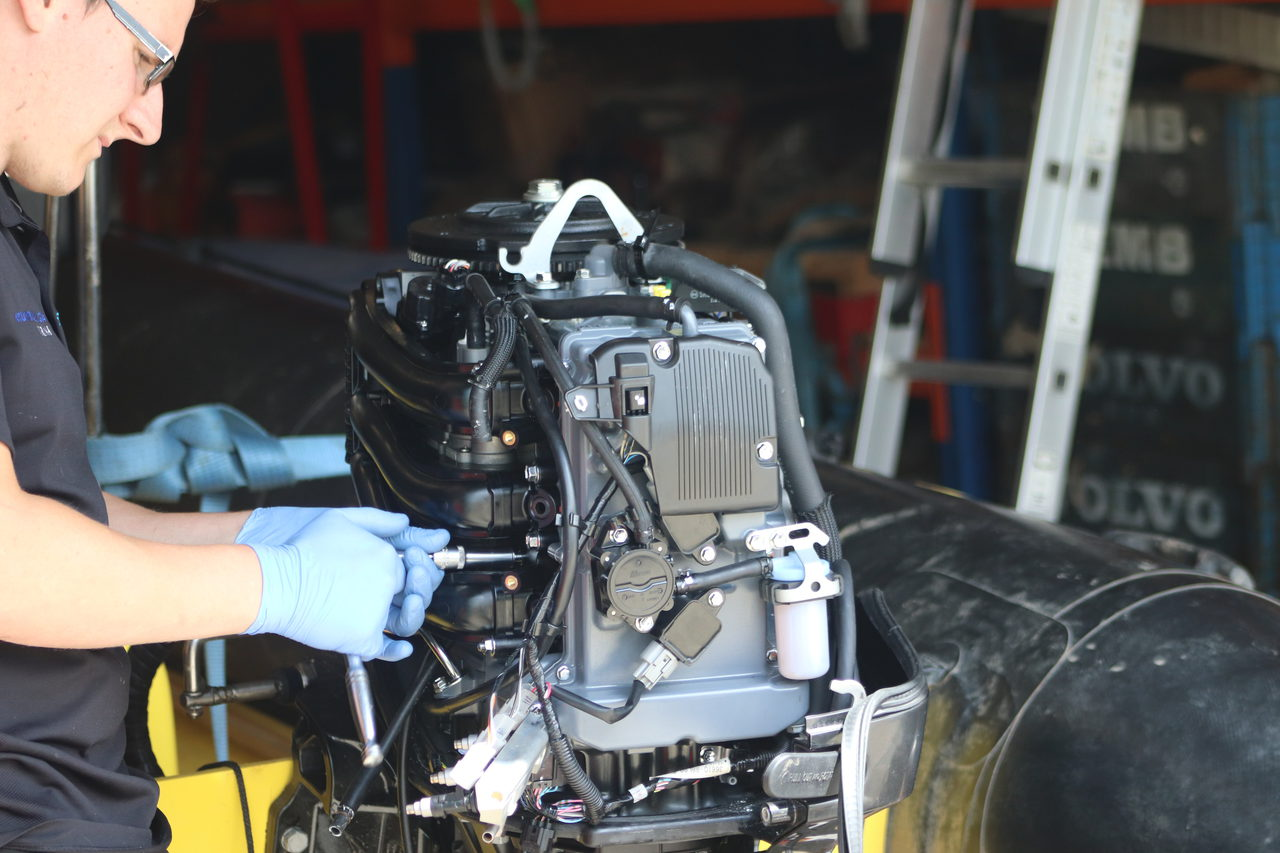 Boat engine servicing