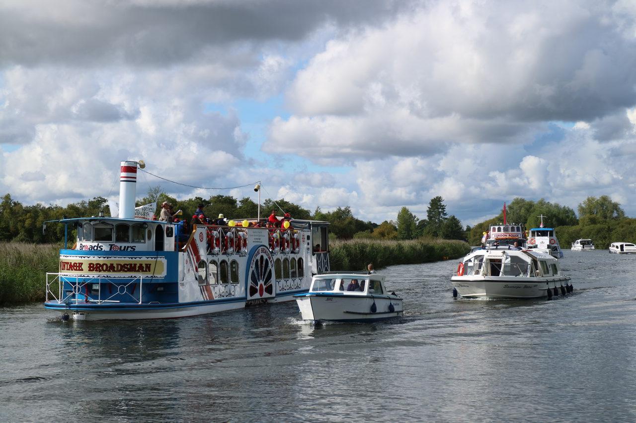 2 Passenger Boats Day Boats And Motor Cruisers